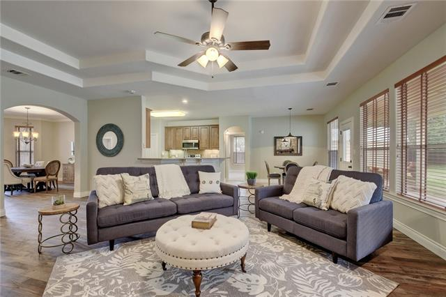 Photo of home for sale at 13513 Copper Hills DR, Manchaca TX