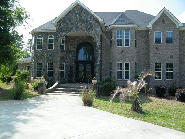 Photo of home for sale at 1082 Tanyard Creek, Thomson GA