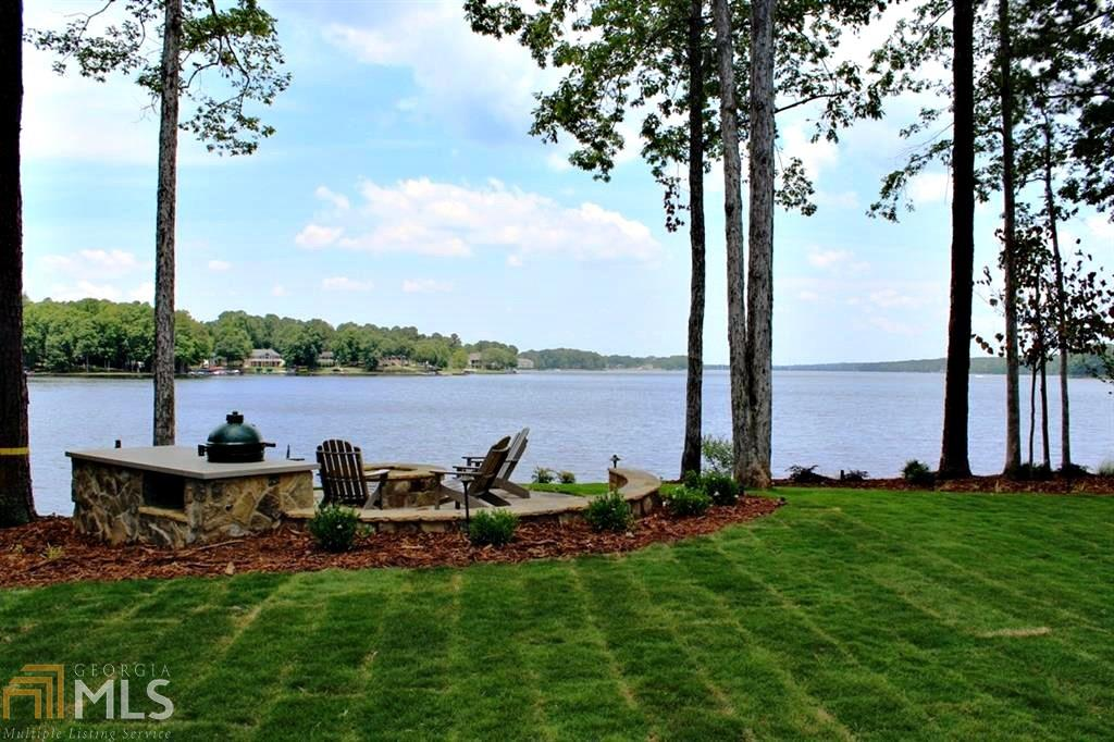 Photo of home for sale at 107 Sapelo Pt, Eatonton GA