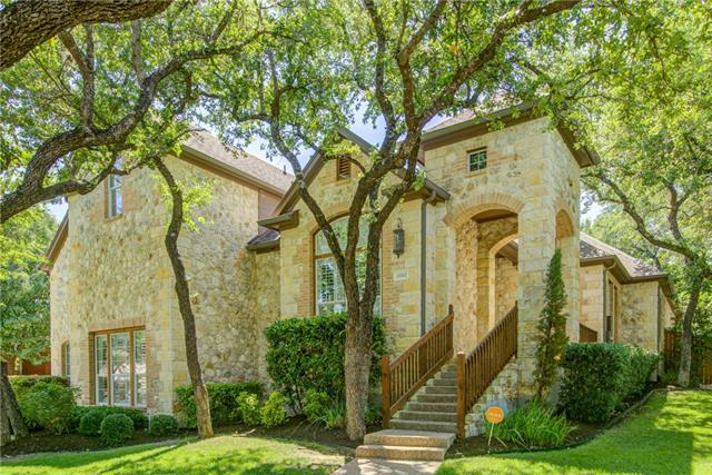 Photo of home for sale at 11112 Pairnoy LN, Austin TX