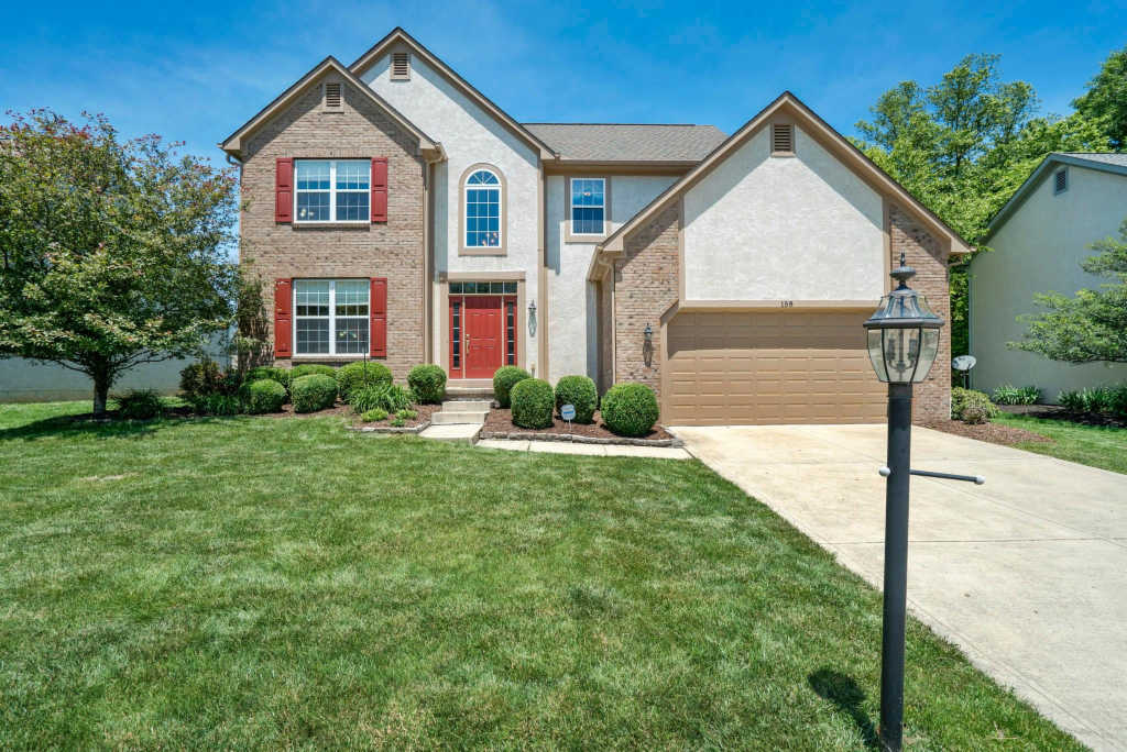 Photo of home for sale at 158 Liberty Ridge Avenue, Powell OH
