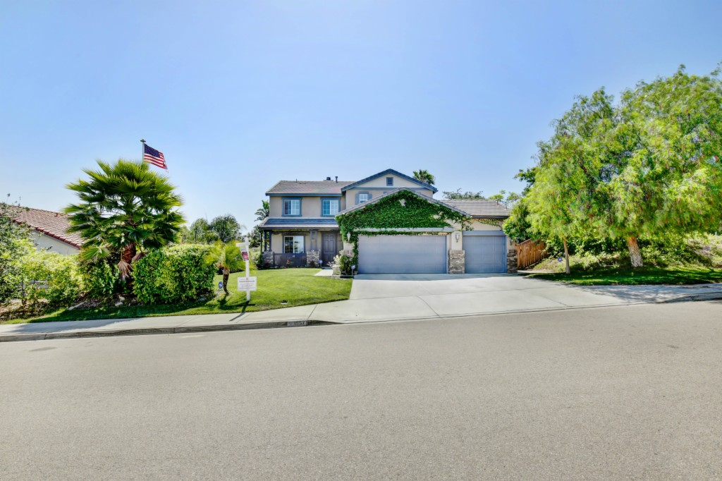 1557 Emerald Ridge Rd Fallbrook, CA 92028
