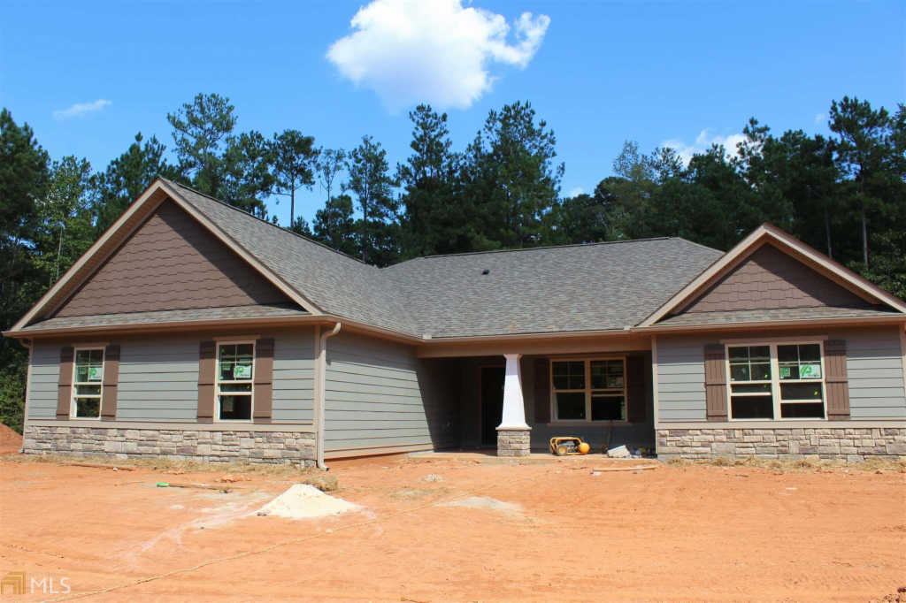 Photo of home for sale at 1195 Witcher Rd, Newnan GA