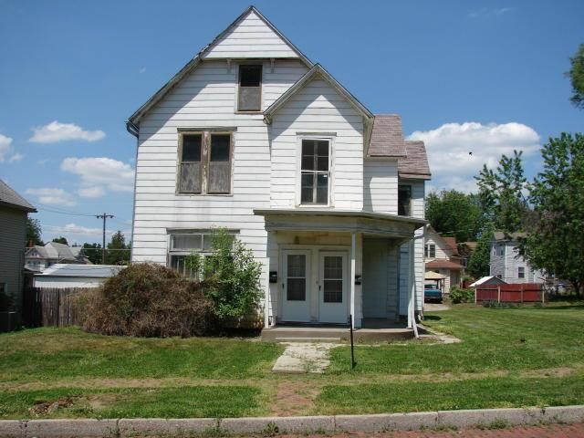 Photo of home for sale at 2703 Olive Street, St Joseph MO