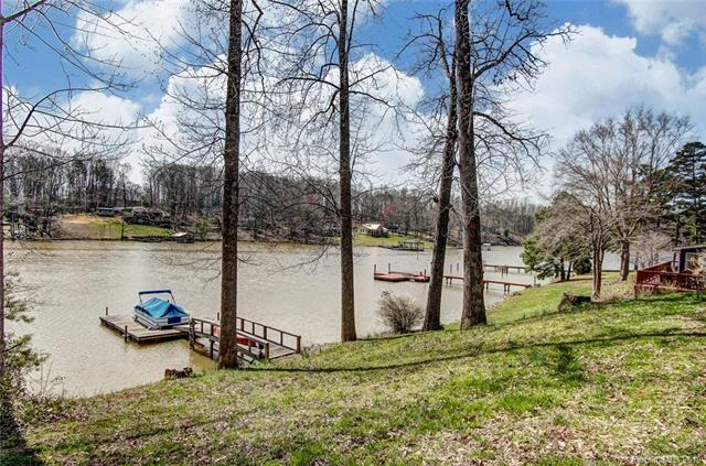 Photo of home for sale at 3150 Mattie Wade Road, Sherrills Ford NC