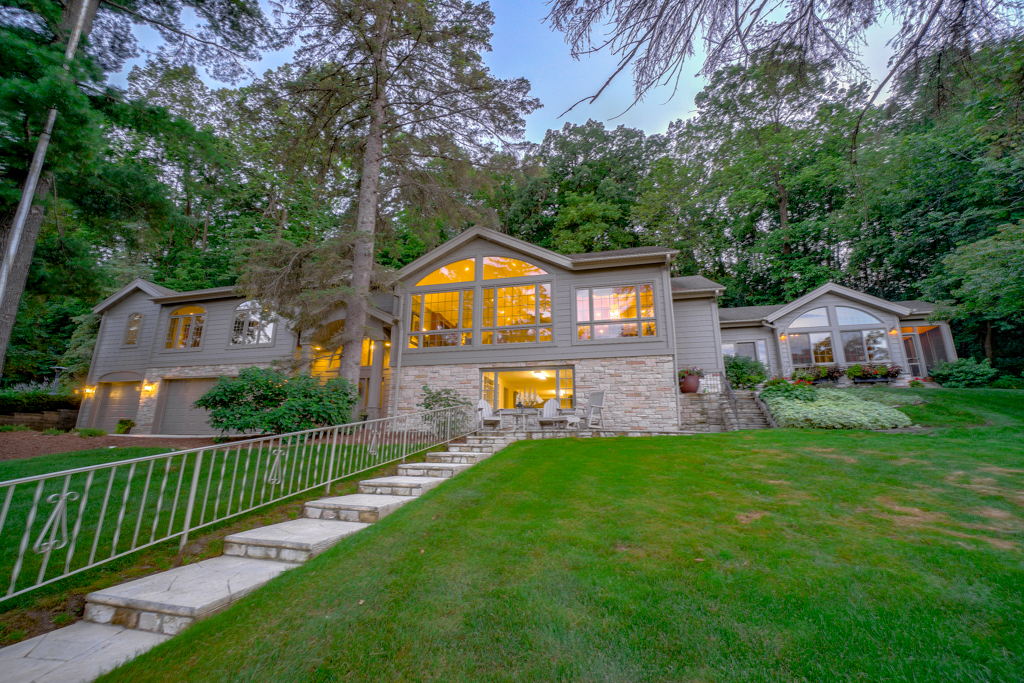 3904 River Road S Afton, MN 55001