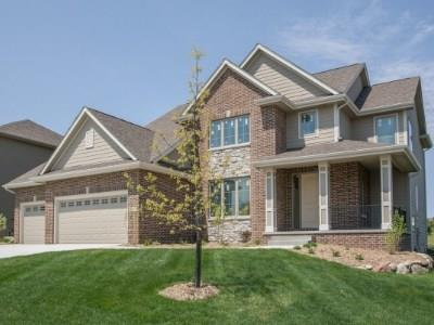 Photo of home for sale at 16019 Hickory Lane, Urbandale IA
