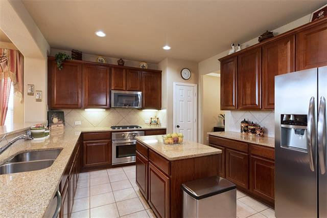 Photo of home for sale at 11999 Henderson Drive, Frisco TX