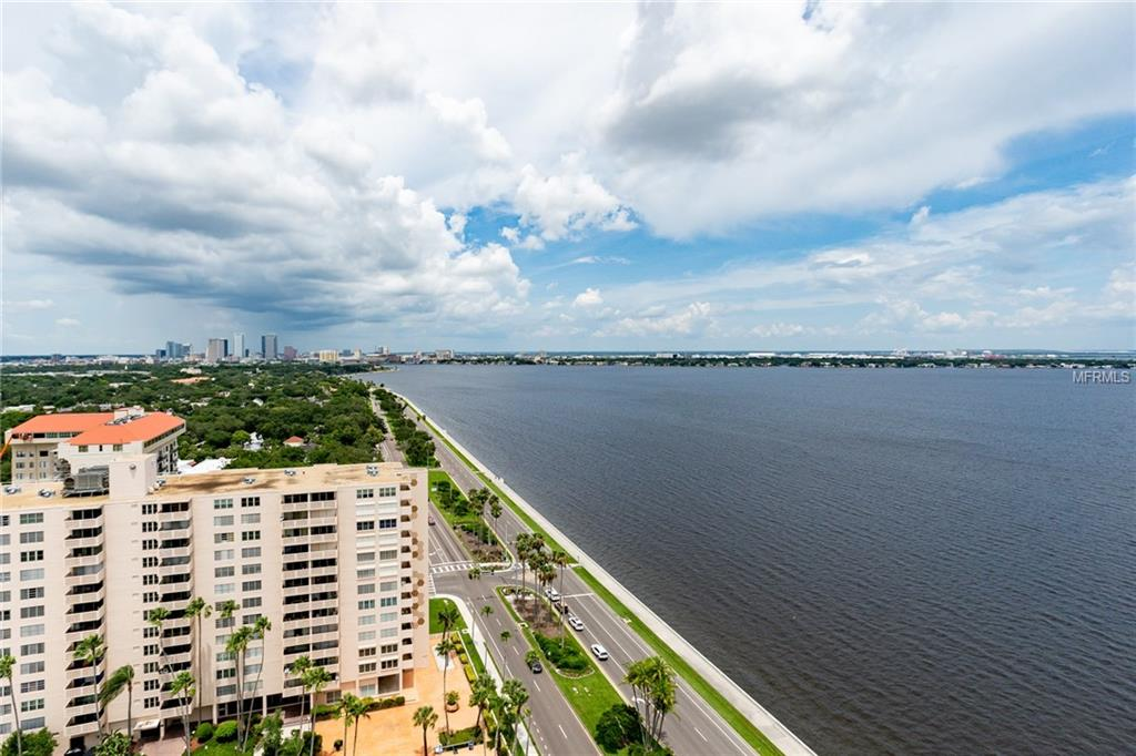 Photo of home for sale at 2413 BAYSHORE BOULEVARD, Tampa FL