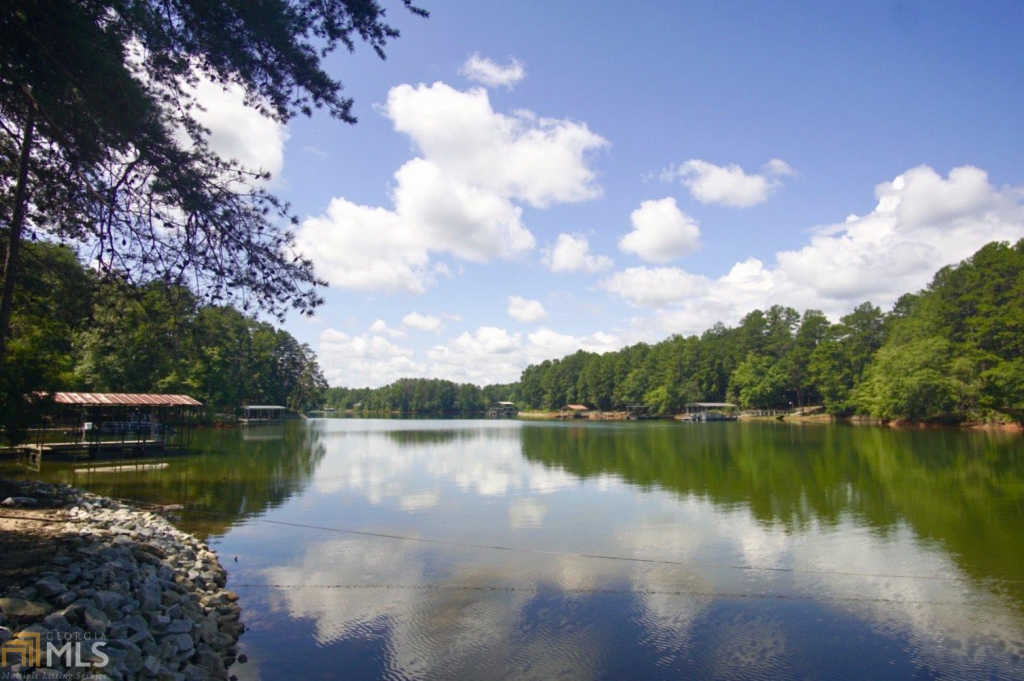 Photo of home for sale at 0 North Shores Dr, Westminster SC
