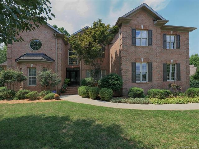 Photo of home for sale at 131 Plantation Drive, Mooresville NC