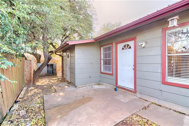 Photo of home for sale at 3504 Southridge DR, Austin TX