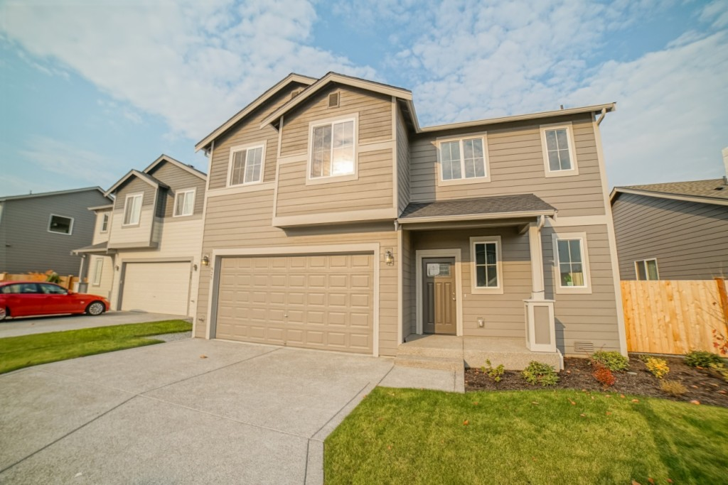 Photo of home for sale at 925 133rd St S, Tacoma WA