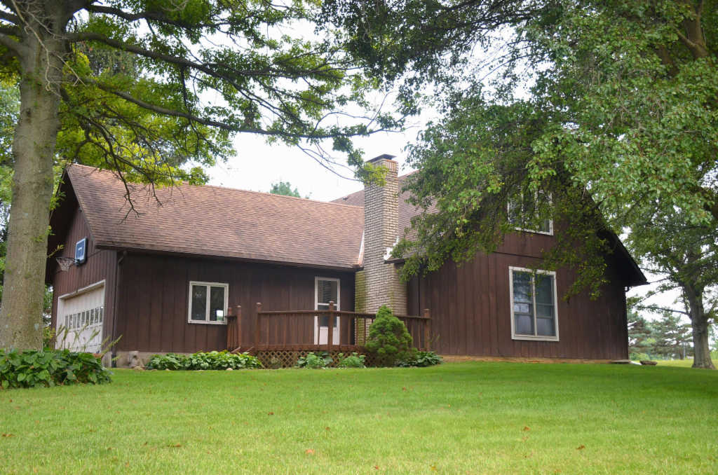 Photo of home for sale at 21060 Wolford-Maskill Road, Marysville OH