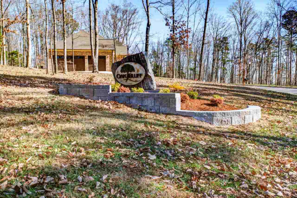 Photo of home for sale at 9 South Bluff Trail, Huntsville AL