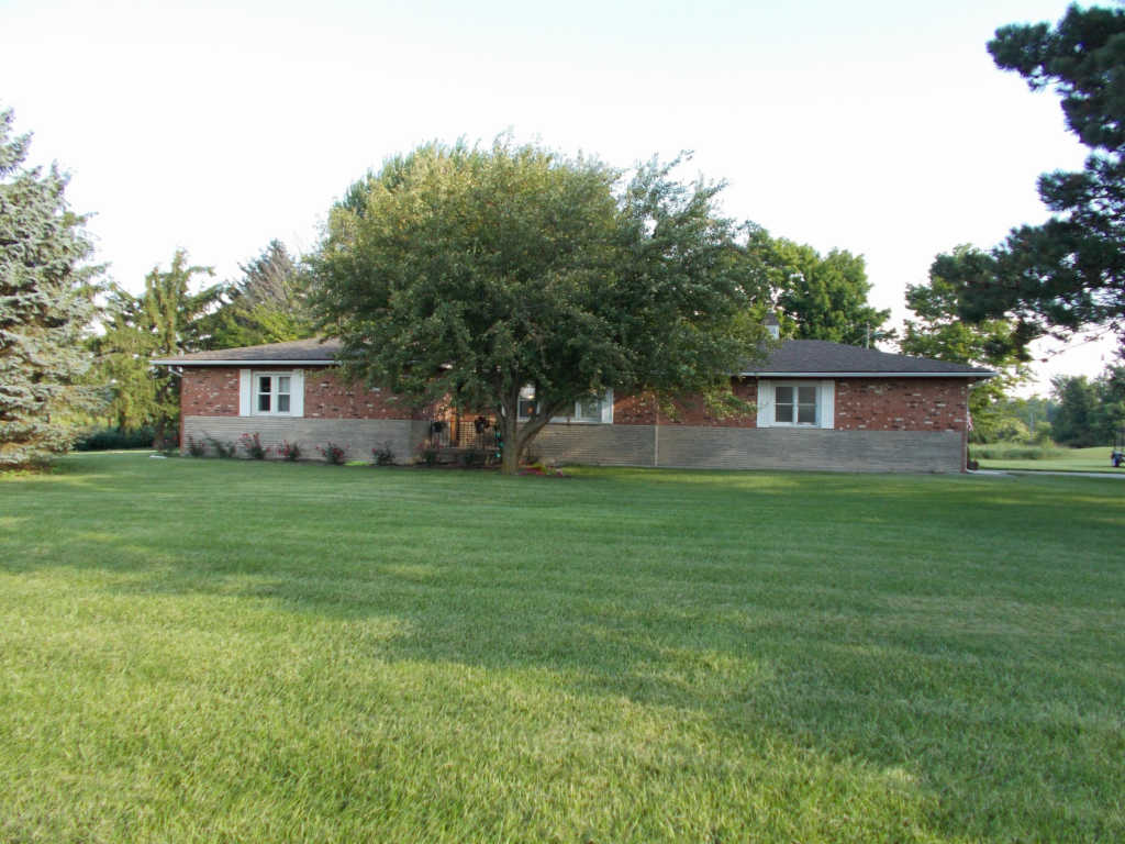 Photo of home for sale at 3921 State Route 47 E, Bellefontaine OH