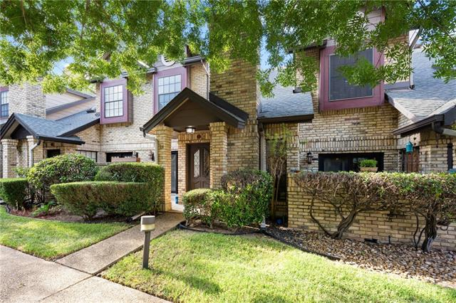Photo of home for sale at 10819 Crown Colony DR, Austin TX