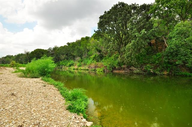 Photo of home for sale at 1987 County Rd 103, Georgetown TX