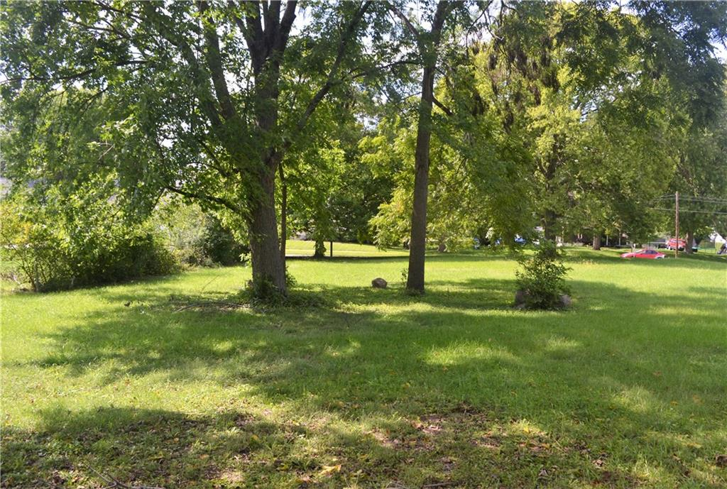 Photo of home for sale at 607 Jefferson Way S, Indianola IA
