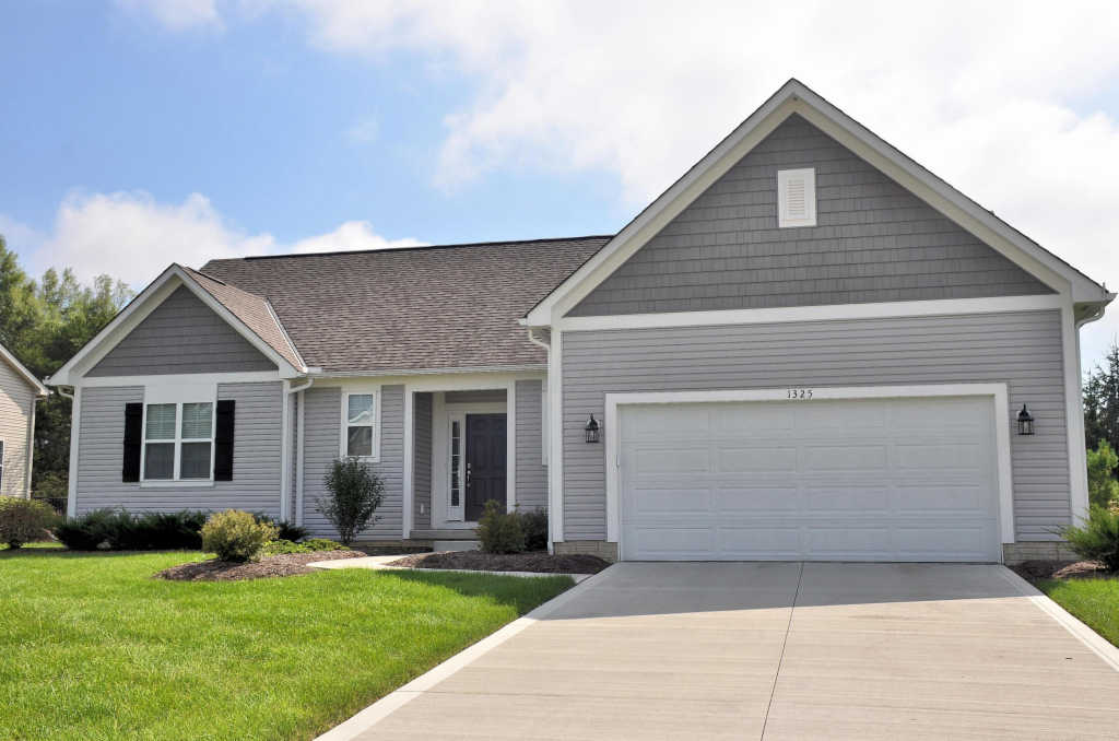 Photo of home for sale at 1325 Fox Run Drive, Marysville OH