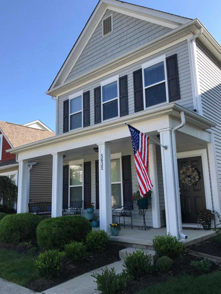 Photo of home for sale at 5632 Lantos Road, Dublin OH