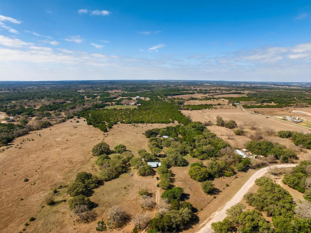 Photo of home for sale at 1451 County Road 288, Liberty Hill TX