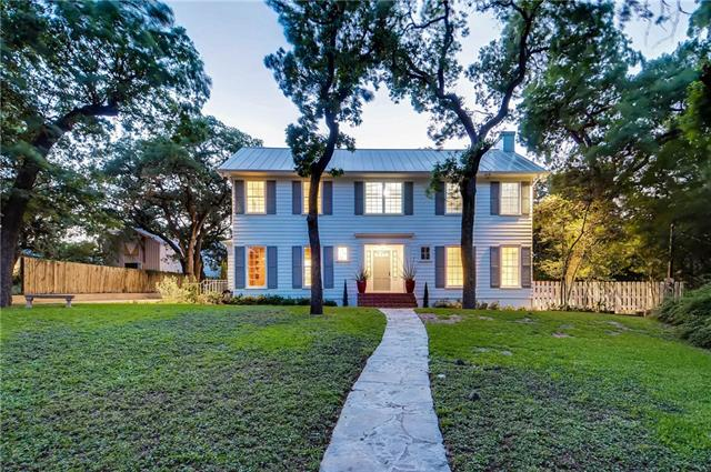 Photo of home for sale at 1306 Winsted LN, Austin TX