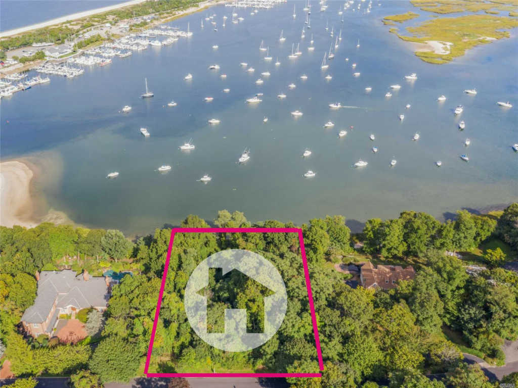 Photo of home for sale at Waterview Dr, Port Jefferson NY