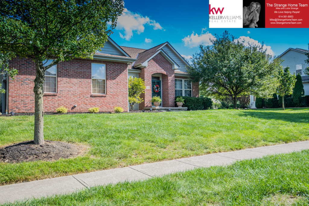 Photo of home for sale at 2324 Omaha Place, Lewis Center OH