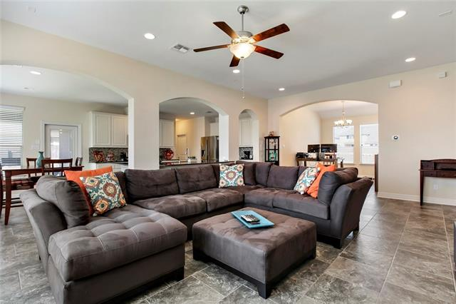 Photo of home for sale at 3813 Lunet Ring WAY, Pflugerville TX