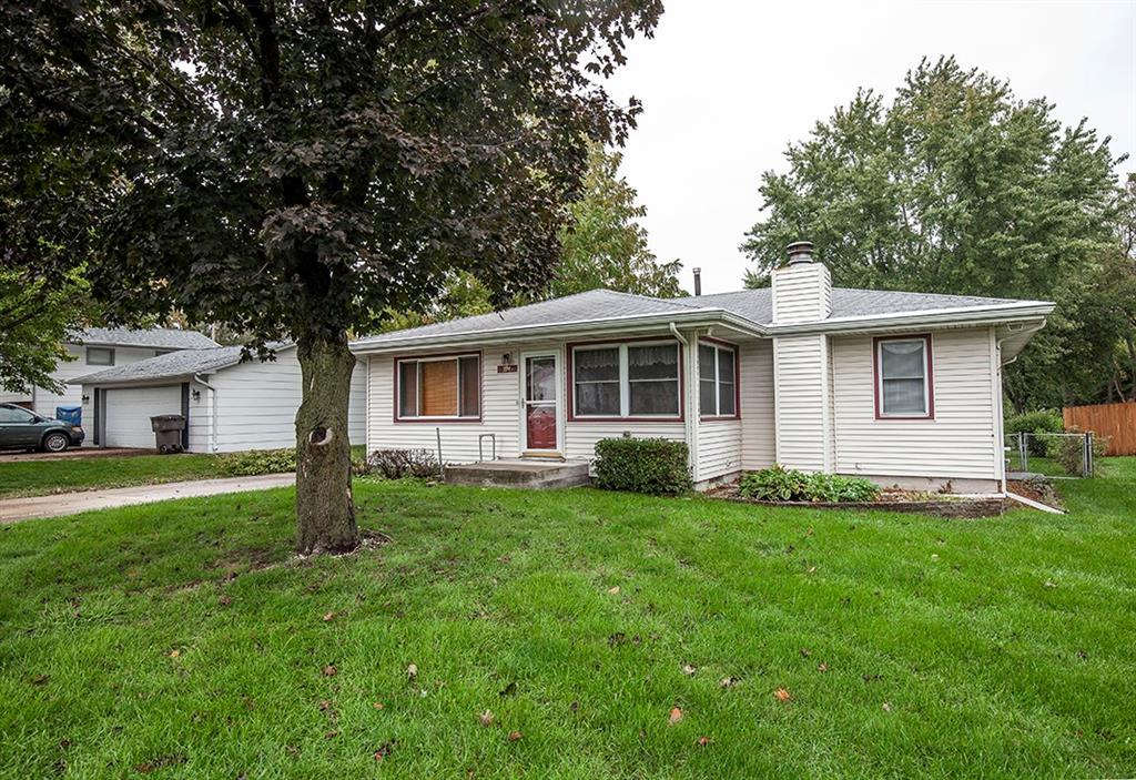 Photo of home for sale at 3945 Lay Street, Des Moines IA