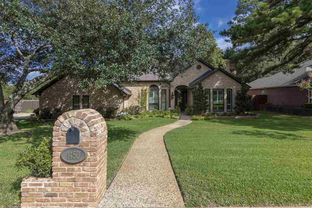 1450 Frostwood Dr., Tyler, Texas