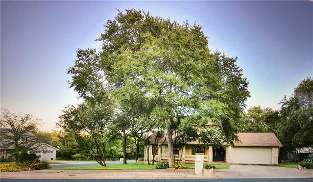 Photo of home for sale at 11305 Bunting DR, Austin TX