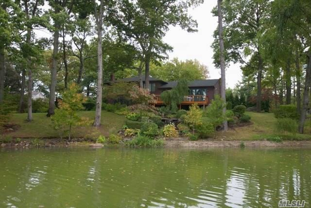 Photo of home for sale at 1 Lake Rd N, Great Neck NY