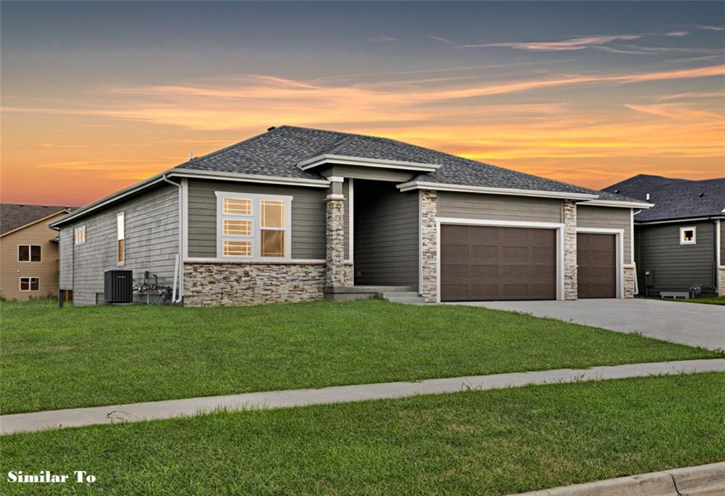 Photo of home for sale at 2607 40th Street NW, Ankeny IA
