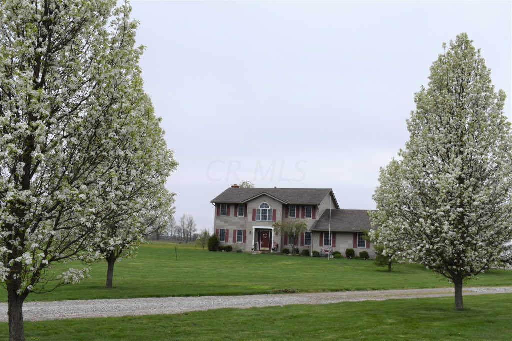 Photo of home for sale at 15511 Payne Road, Marysville OH