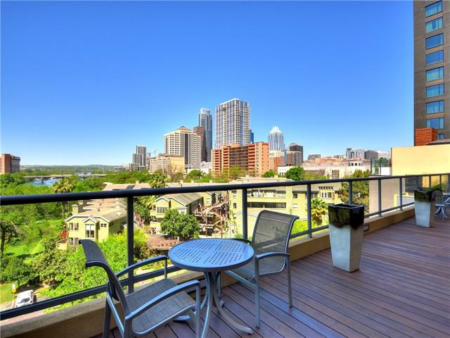 Photo of home for sale at 603 Davis ST, Austin TX