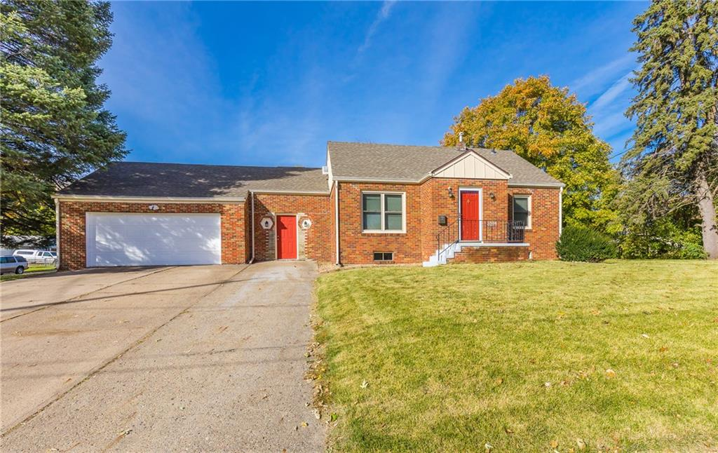 Photo of home for sale at 3214 8th Street SE, Des Moines IA