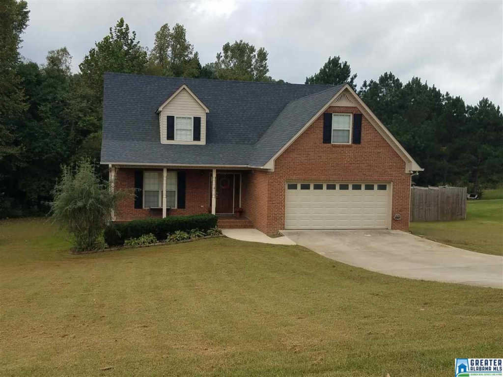 Photo of home for sale at 222 Greystone Dr, Oneonta AL