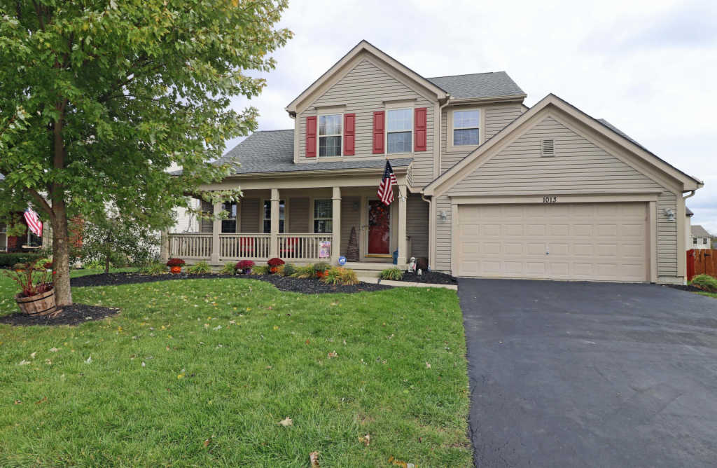 Photo of home for sale at 1013 Weather Vane Way, Plain City OH