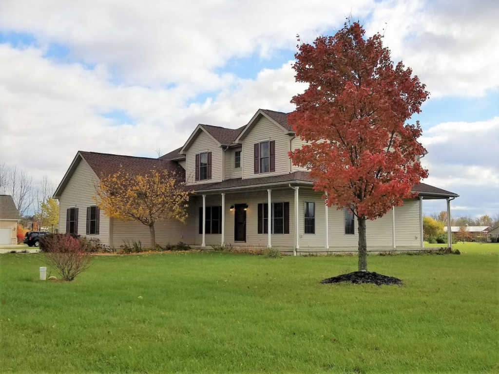 Photo of home for sale at 8411 Roberts Road, Hilliard OH