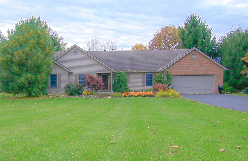 Photo of home for sale at 16125 Paver Barnes Road, Marysville OH