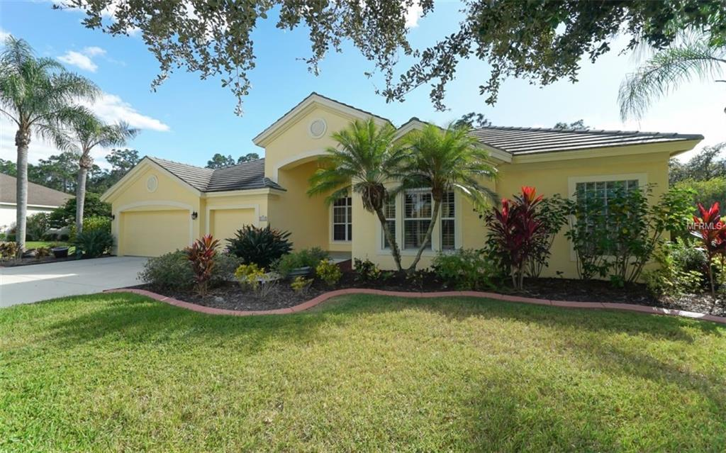 Photo of home for sale at 10151 CHERRY HILLS AVENUE CIRCLE, Bradenton FL