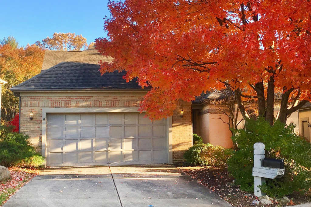 Photo of home for sale at 7166 Lorine Court, Columbus OH