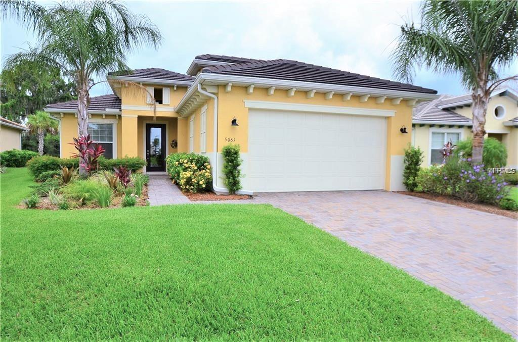 Photo of home for sale at 5061 LAKE OVERLOOK AVE, Bradenton FL