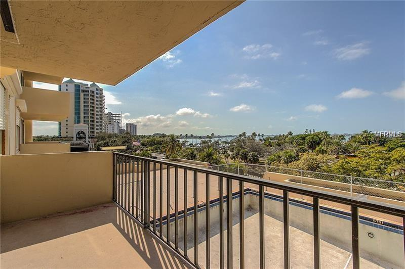 Photo of home for sale at 101 GULFSTREAM AVENUE S, Sarasota FL